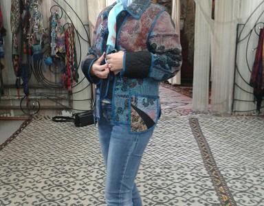 Елена Прекрасная в не менее красивом восточном пиджаке