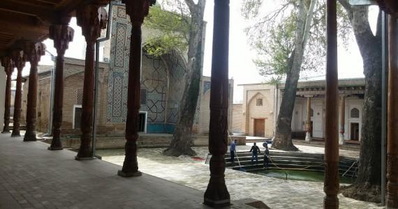 Колоннада в Абди-Дарун